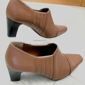 Franco Sarto Tan Slip-on booties Size 8.5M EUC
